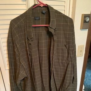 Men's green dress shirt